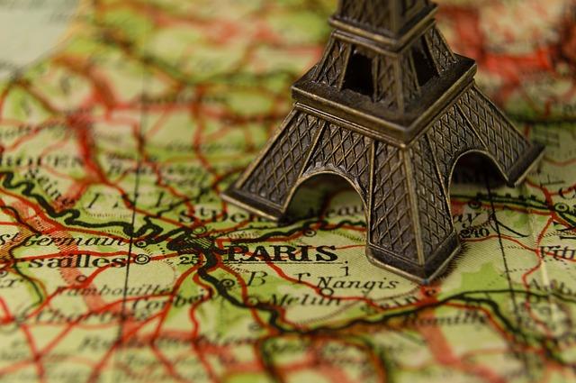 Francie, Paříž, francouzsky.