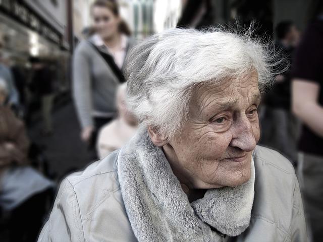 Paní staršího věku